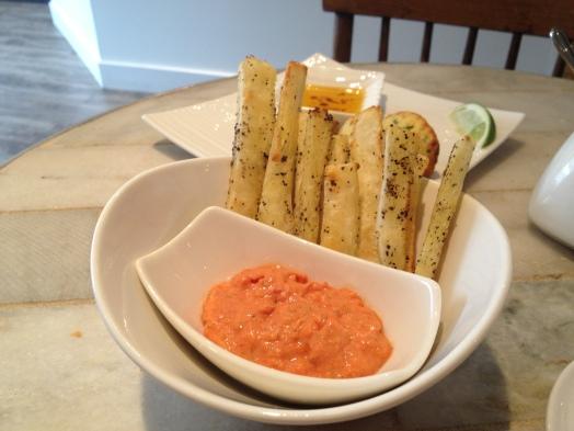Crispy Baked Manioc w/ tomato aioli
