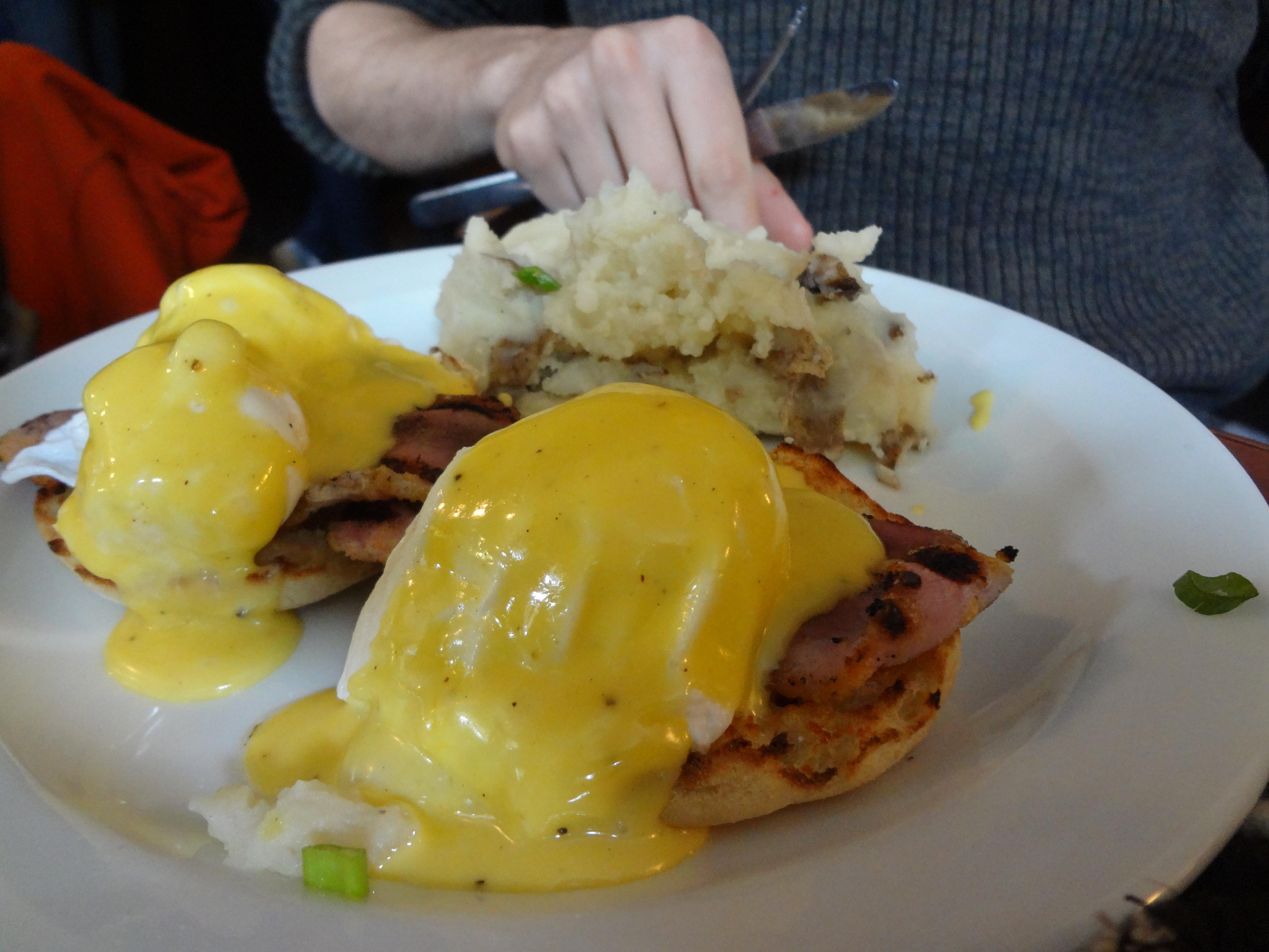 peameal eggs benny manx pub brunch ottawa